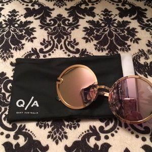 "QUAY Mirror Sunglasses ""UKIYO"" Rose Gold"